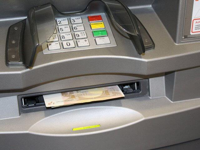 Geld Im Automaten Vergessen Wann Rückbuchung